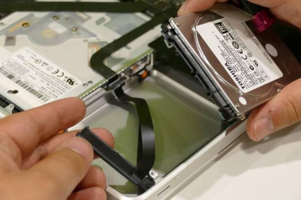 Come cambiare il disco rigido del tuo Macbook Step by Step 2