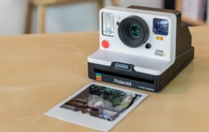 Come scattare foto con una Polaroid facilmente? 24