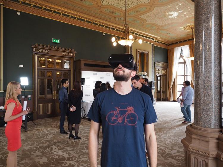 Quali telefoni sono compatibili con Samsung Gear VR? 3