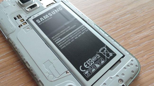 Come riconoscere una batteria Samsung originale 1