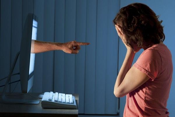 Quali pericoli sono dietro l'uso dei social network? Manuale di buona condotta in RRSS 10