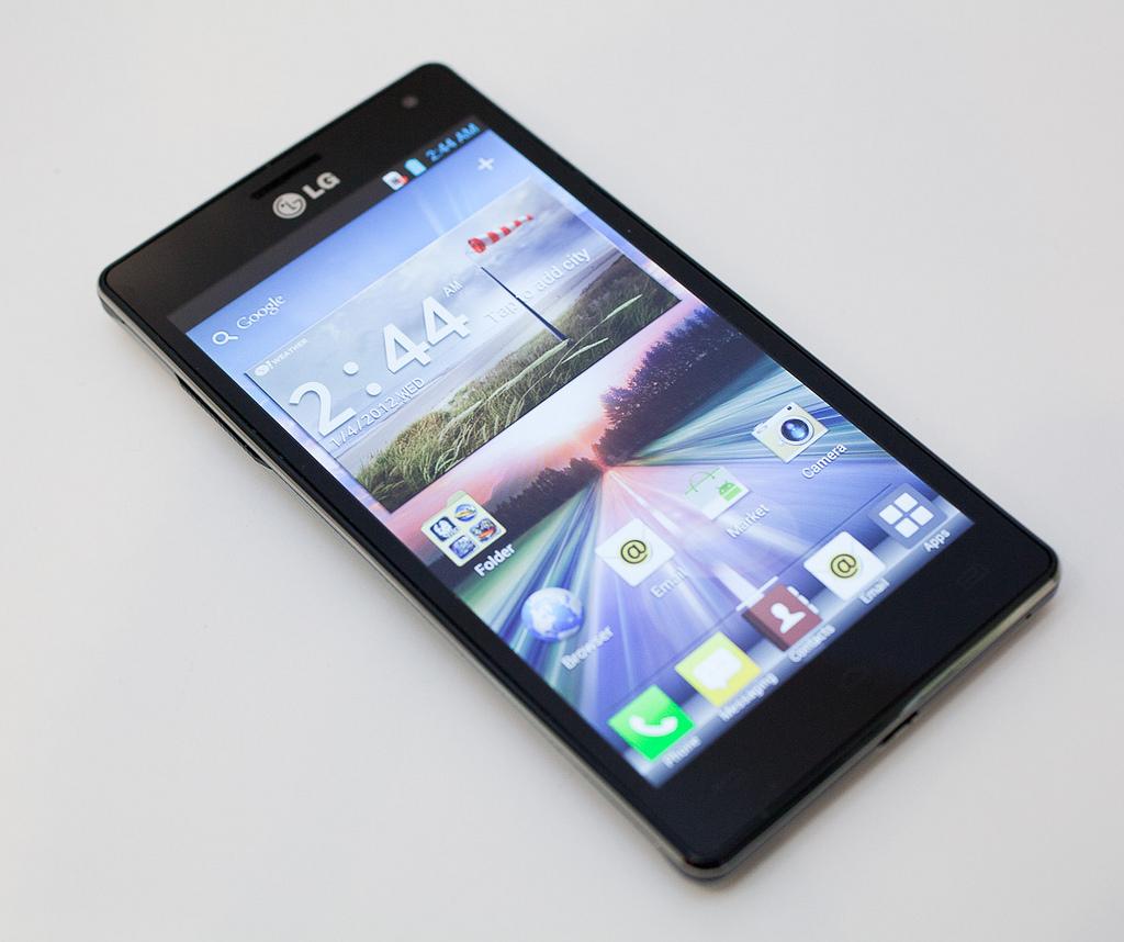 Come scaricare WhatsApp gratuitamente per LG Optimus Me P350 e LG Optimus 4X HD 2