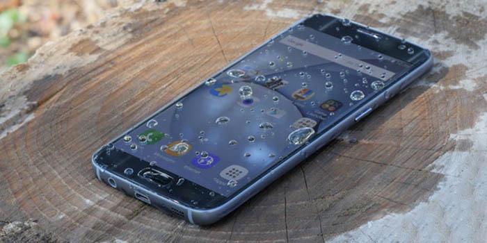Il mio Samsung è caduto in acqua, come posso ripararlo? 1