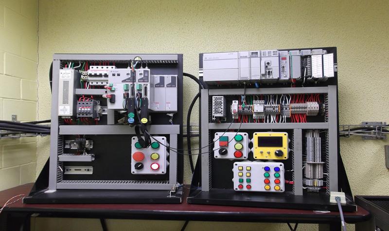Quali sono i principali tipi e parti di un PLC e come funzionano? 1