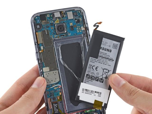 Tutorial passo passo per cambiare la batteria del Galaxy s7 2