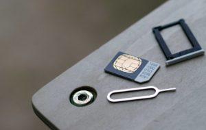Come cambiare una scheda SIM in un modo molto semplice? 23