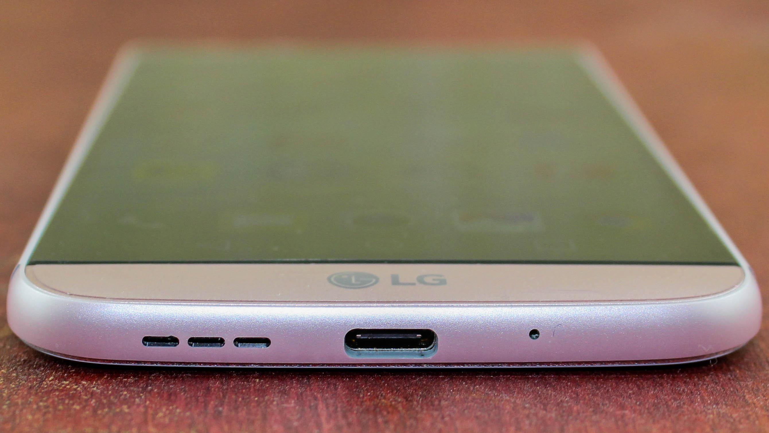 Quanto tempo occorre per caricare la batteria di un nuovo telefono cellulare? 2
