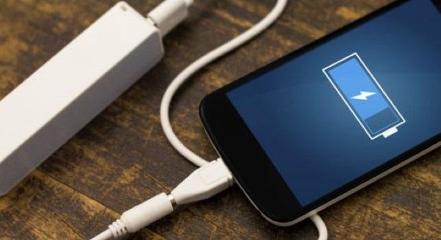 Scopri le verità sulla ricarica di una nuova batteria del telefono cellulare 1