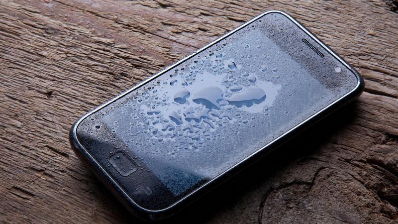 Uno smartphone bagnato è stato riparato? 1