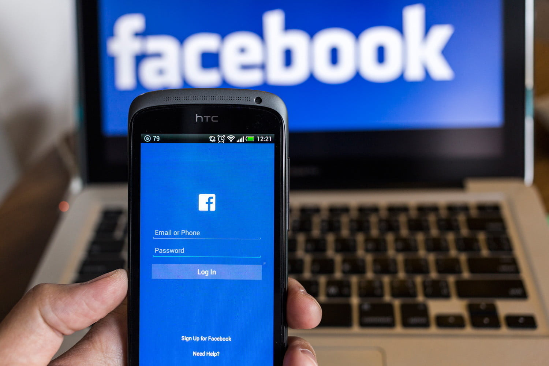 Scarica Facebook per un telefono lento 1