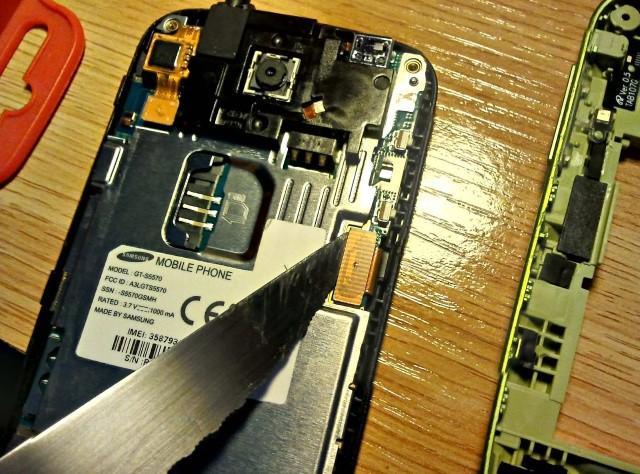 Il mio cellulare si è bagnato e non si accende lo schermo [Soluzione rapida e semplice] 3