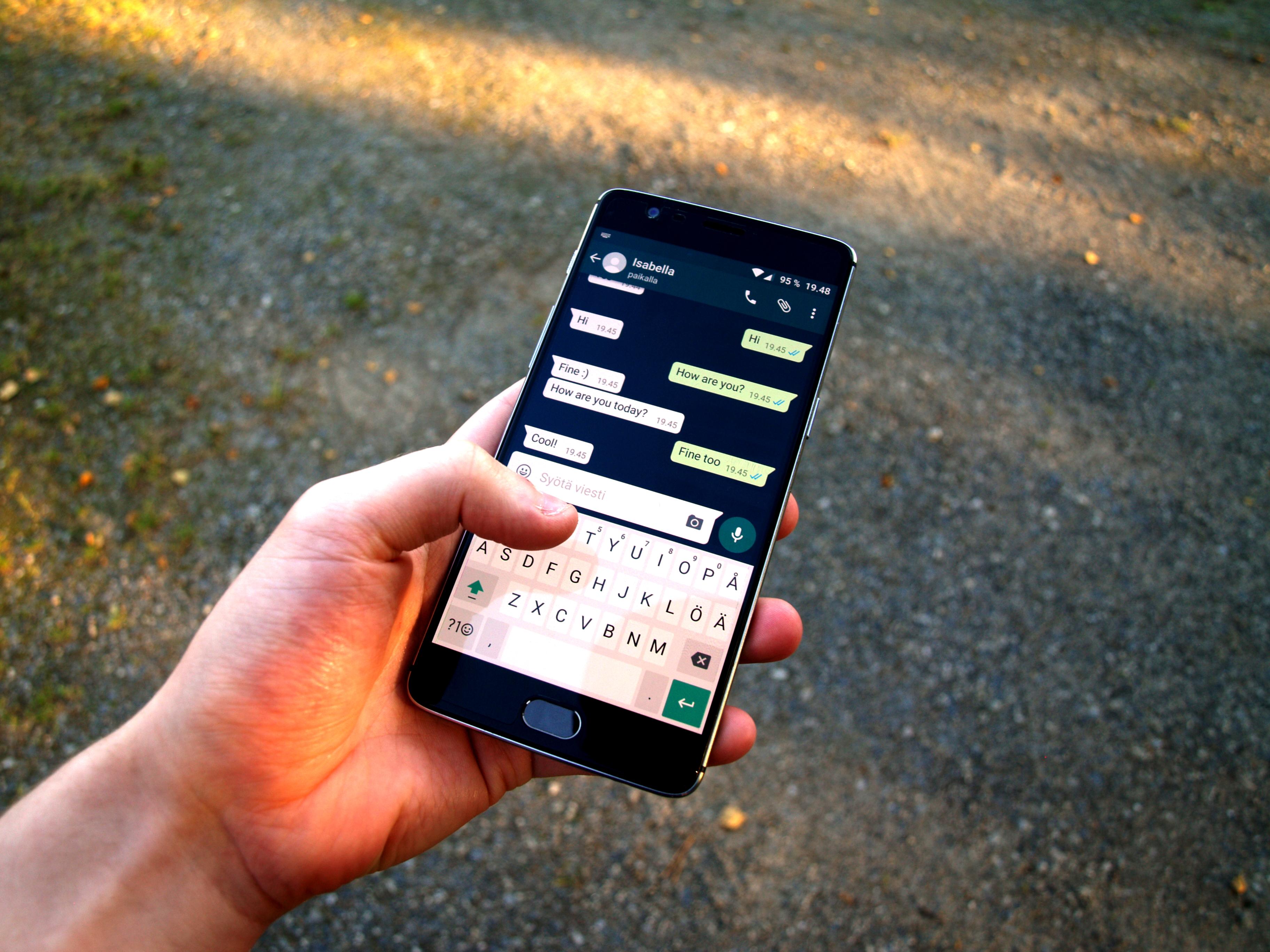 Come scaricare WhatsApp in un telefono cellulare cinese senza Play Store? 2