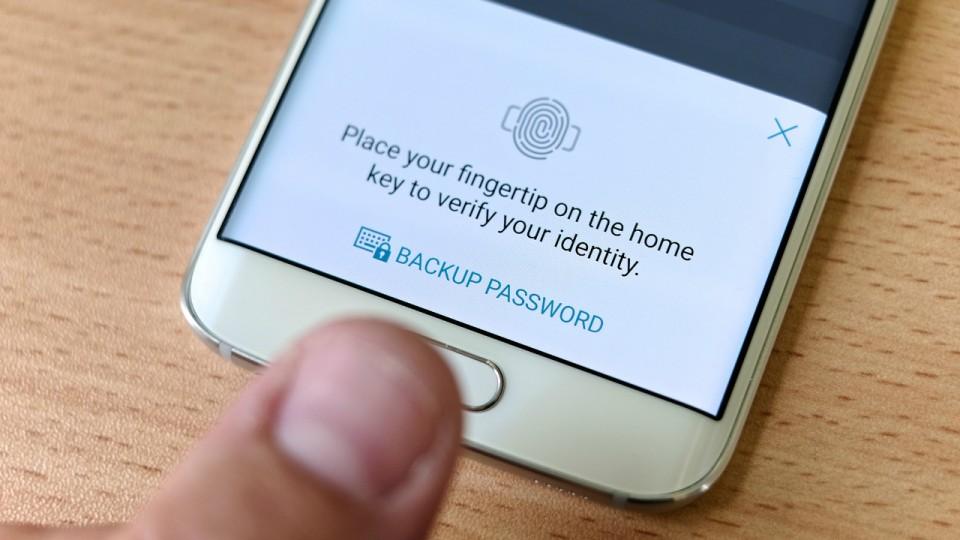 Spegni lo schermo Android utilizzando il lettore di impronte digitali 2