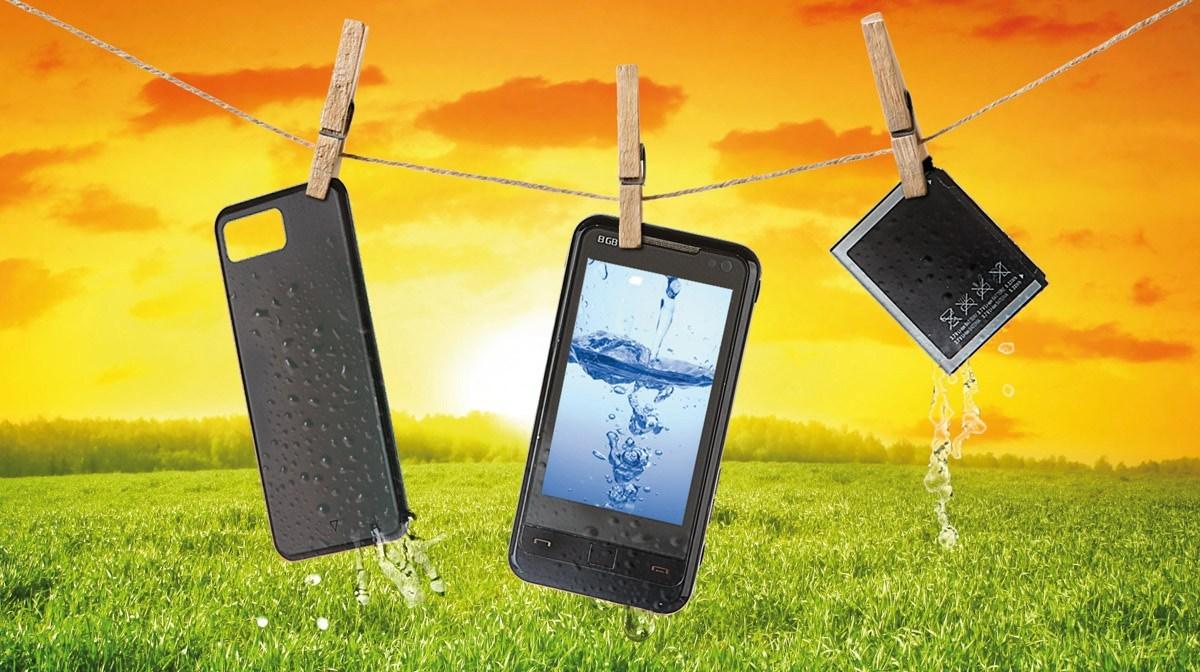 Se il mio telefono cade in acqua, è garantito? 2