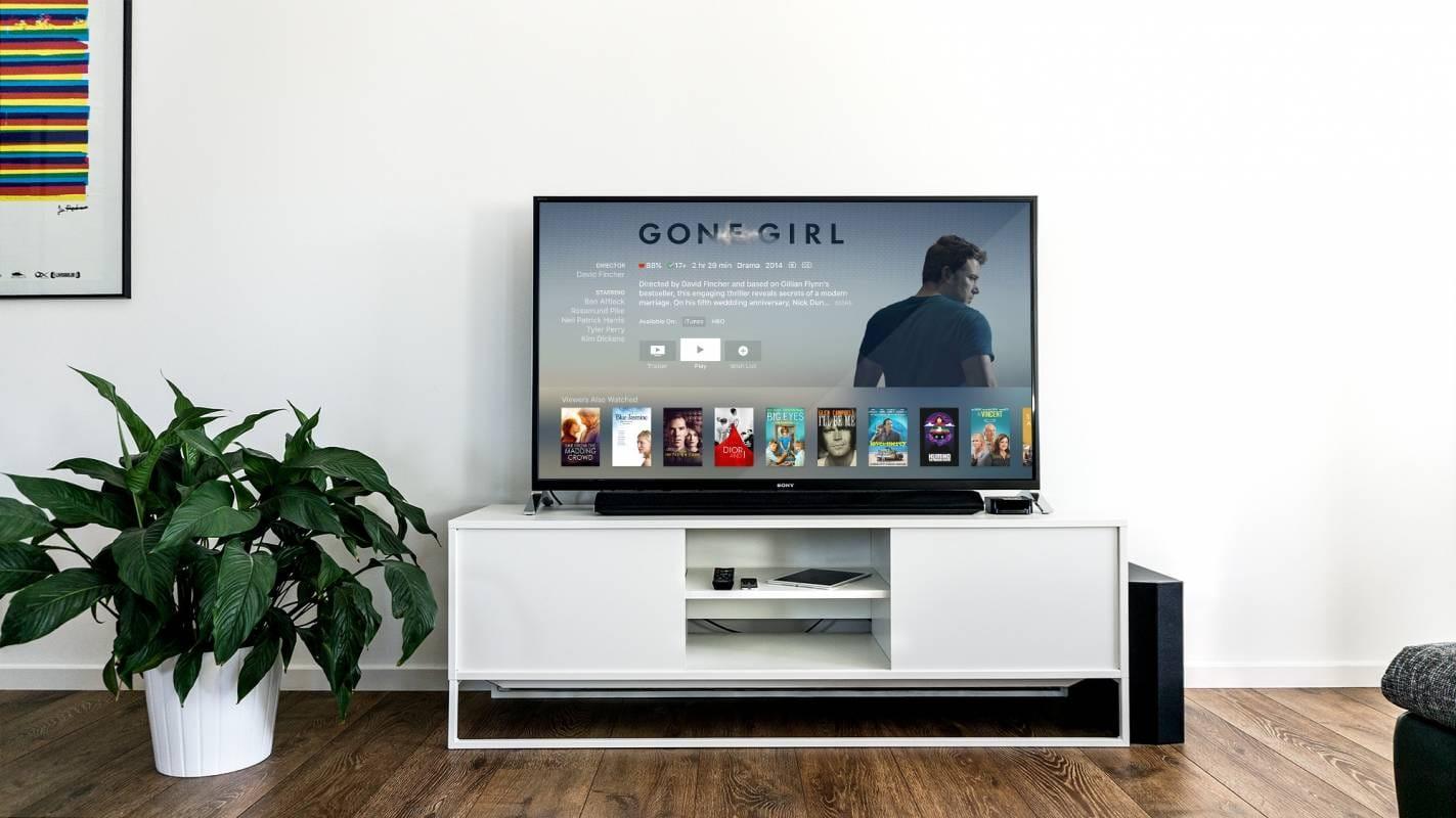 La mia TV aumenta o diminuisce il volume da solo, cosa devo fare? 1